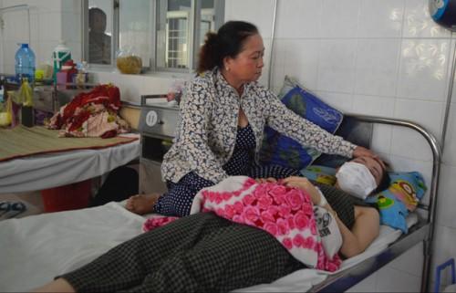 Đồng Tháp: Cô giáo mầm non bị mẹ và bà ngoại học sinh đánh ngất xỉu
