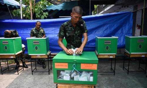 Thái Lan: Bất ngờ hoãn công bố kết quả bầu cử