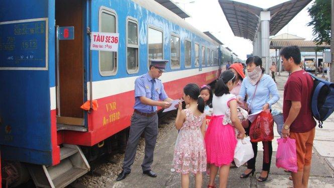 tang hang tram chuyen tau phuc vu dip le 304 15