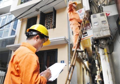 EVN khuyến cáo tiết kiệm điện tránh hóa đơn tăng đột biến