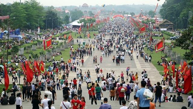 Niêm yết giá trông giữ xe đúng quy định dịp Lễ hội pháo hoa quốc tế Đà Nẵng