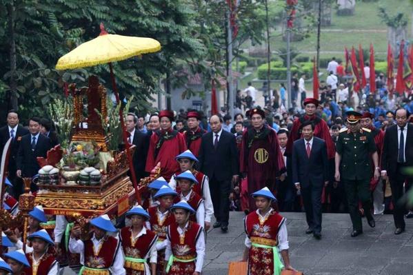 Lễ dâng hương tưởng niệm các Vua Hùng năm Mậu Tuất 2018