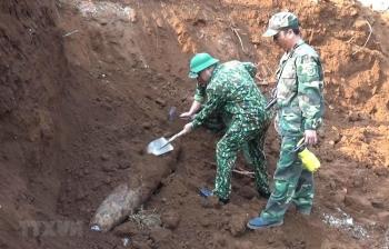 quang tri phat hien qua bom nang 240kg nam ngay trong khu vuc truong hoc