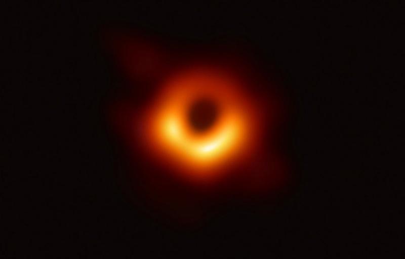 Lần đầu tiên giới khoa học chụp được hình ảnh hố đen trong vũ trụ
