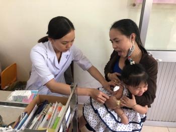 who canh bao nguy co dich benh neu tre khong duoc tiem vaccine day du