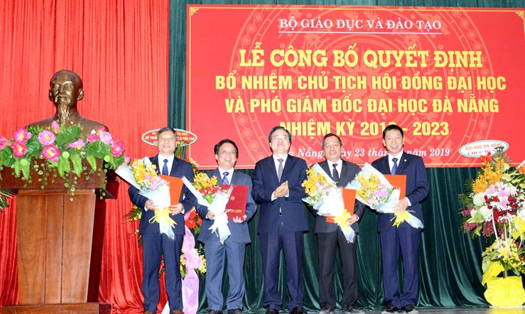 Trao quyết định bổ nhiệm Chủ tịch Hội đồng Đại học Đà Nẵng