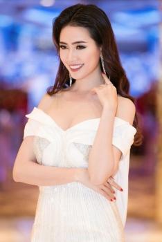 phan thi mo dai dien viet nam tham du hoa hau dai su du lich the gioi 2018
