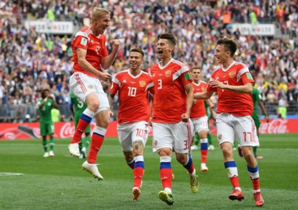 doi tuyen nga thang dam 5 0 truoc a rap saudi trong tran mo man world cup 2018