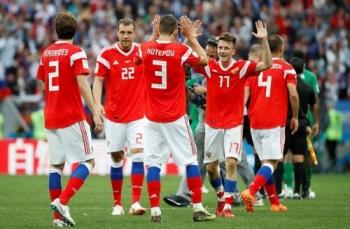 tong thong putin goi dien thoai chuc mung hlv tuyen nga sau chien thang 5 0 o tran mo man world cup 2018