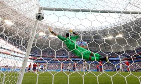 Serbia giành chiến thắng 1-0 trước Costa Rica