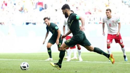 Australia cầm hòa 1-1 trước Đan Mạch, nuôi hy vọng đi tiếp