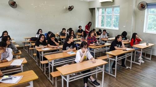 Gần 1 triệu thí sinh trên cả nước làm thủ tục dự thi THPT quốc gia 2018
