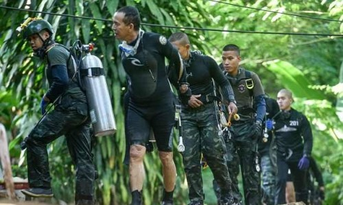 fifa gui thu moi doi bong thieu nien thai lan mac ket trong hang den xem chung ket world cup
