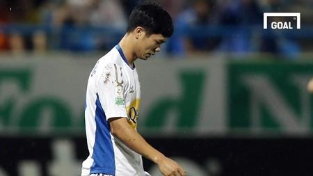cong phuong len tieng xin loi vi hanh dong thieu kiem che voi thu mon doi ban o vong 18 v league 2018