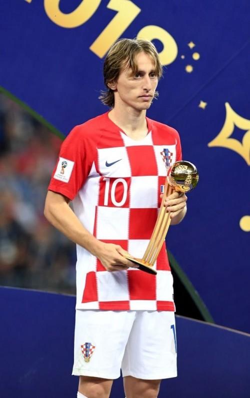 Đội trưởng tuyển Croatia Luka Modric giành danh hiệu quả bóng vàng World Cup 2018