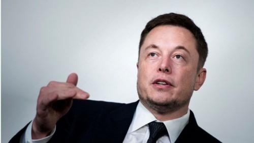 Tỷ phú Elon Musk hứng chỉ trích do công kích thợ lặn người Anh