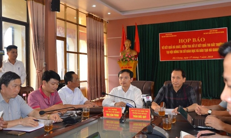 Phó trưởng phòng Khảo thí thuộc Sở Giáo dục Hà Giang 'hô biến' 102 bài thi THPT Quốc gia từ 1 thành 9 điểm
