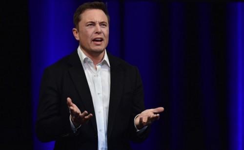 Tỷ phú Elon Musk mất gần 300 triệu USD trong 2 ngày do giá cổ phiếu sụt giảm sau tuyên bố công kích thợ lặn Anh