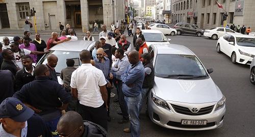 11 tài xế Nam Phi bị bắn chết sau khi dự đám tang đồng nghiệp