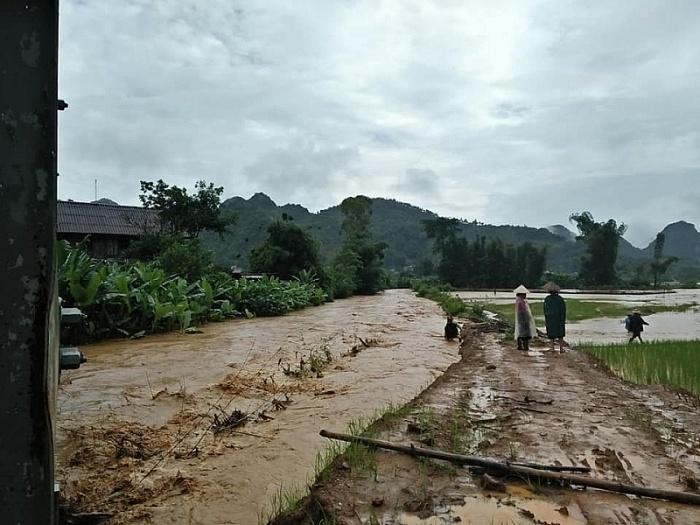 Mưa lũ ảnh hưởng từ cơn bão số 4 làm 9 người chết và mất tích