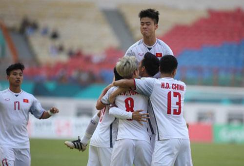 Đả bại Olympic Nhật Bản với tỷ số 1-0, đội tuyển Việt Nam đứng đầu bảng D với 9 điểm tuyệt đối