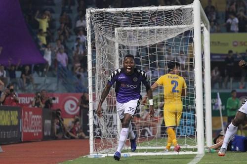 Về đích sớm trước 5 vòng đấu, Hà Nội FC đã trở thành đội giành chức vô địch sớm nhất trong lịch sử V.League
