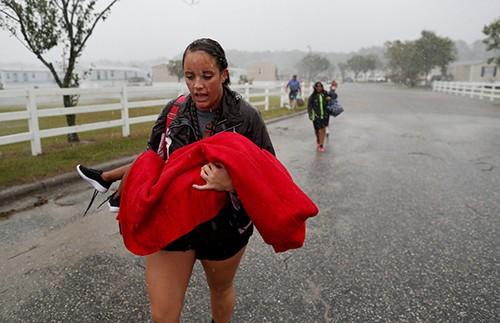 Bão Florence hoành hành tại Mỹ: Ít nhất 8 người thiệt mạng