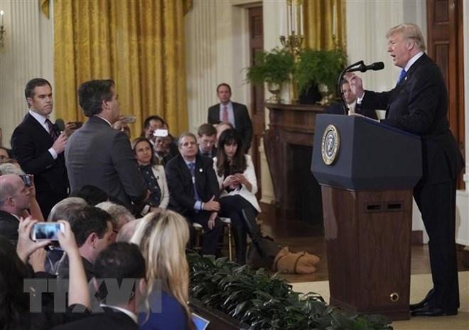 Nhà báo CNN được khôi phục quyền tiếp cận Nhà Trắng