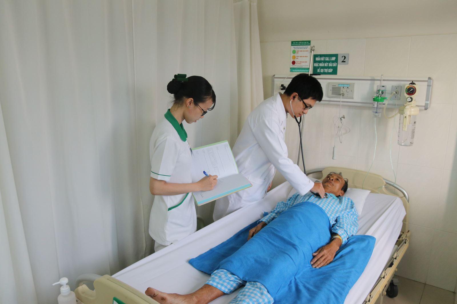 Hơn 1.900 dịch vụ y tế sẽ được điều chỉnh giá từ ngày 15/12