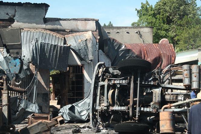 Vụ tai nạn làm xe bồn và 19 căn nhà bị cháy ở Bình Phước: Chính thức công bố con số thiệt hại
