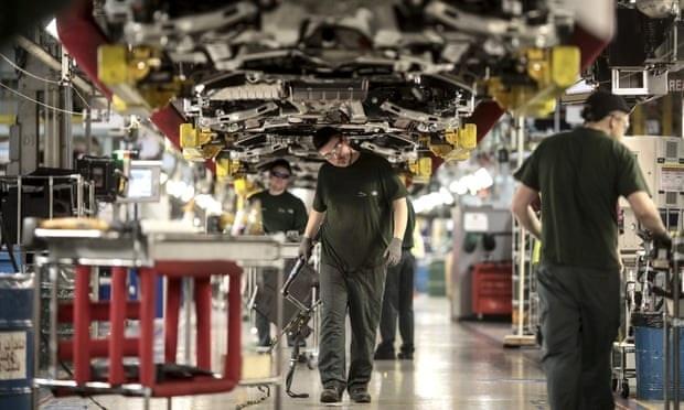 Hãng ôtô Jaguar Land Rover định cắt giảm 5.000 việc làm tại Anh