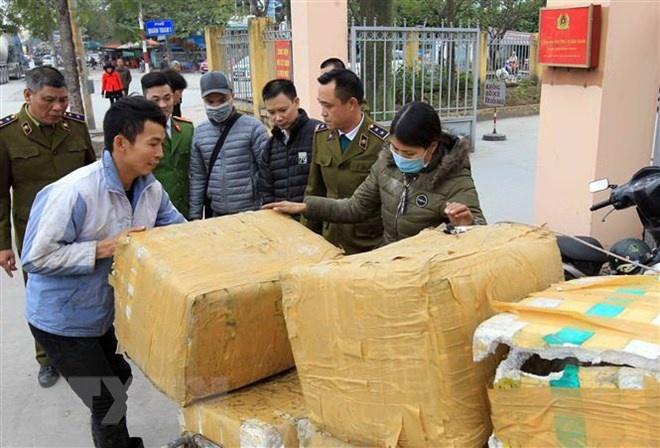 Hải Phòng: Thu giữ 7 thùng xốp chứa nội tạng động vật bốc mùi hôi thối
