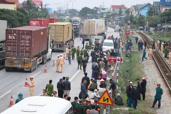 Hỗ trợ nạn nhân và gia đình vụ xe tải đâm chết 8 người ở Hải Dương