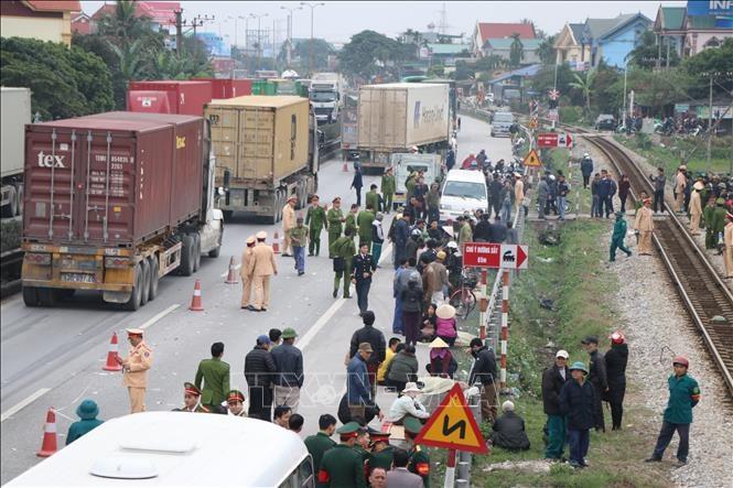Phó Thủ tướng Thường trực yêu cầu điều tra, xử nghiêm vụ xe tải đâm làm 8 người chết
