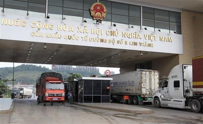 tren 40000 tan quang sat da duoc xuat qua cua khau lao cai