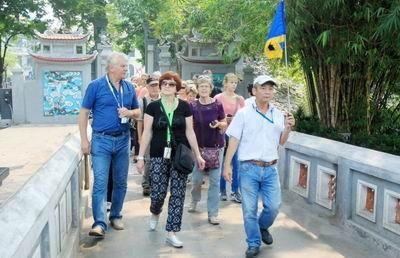 Điều kiện hành nghề hướng dẫn viên du lịch