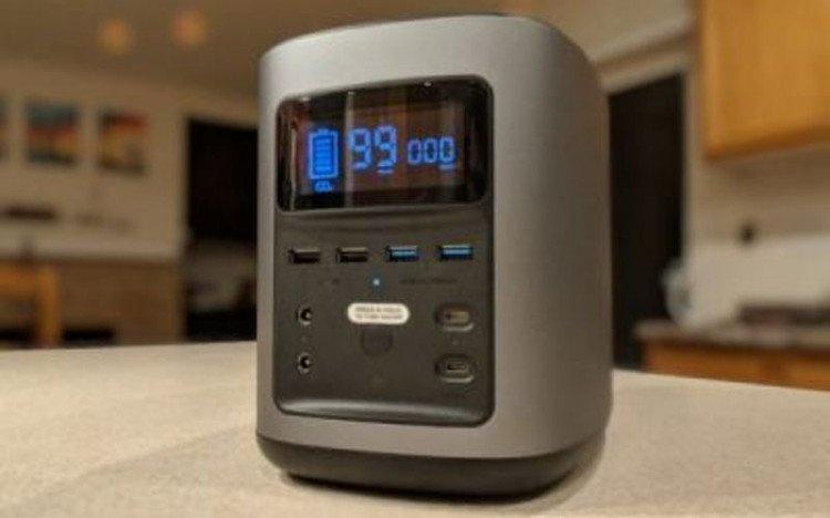 Pin dự phòng sạc nhiều thiết bị một lúc, kiêm luôn chức năng của tủ lạnh