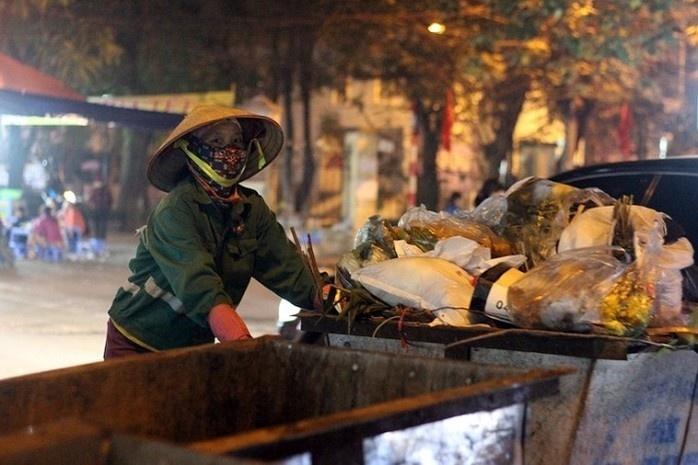 Trong 4 ngày Tết, Hà Nội thu gom gần 16.000 tấn rác thải
