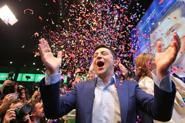 Ukraine: Danh hài từng đóng vai tổng thống sẽ trở thành tổng thống