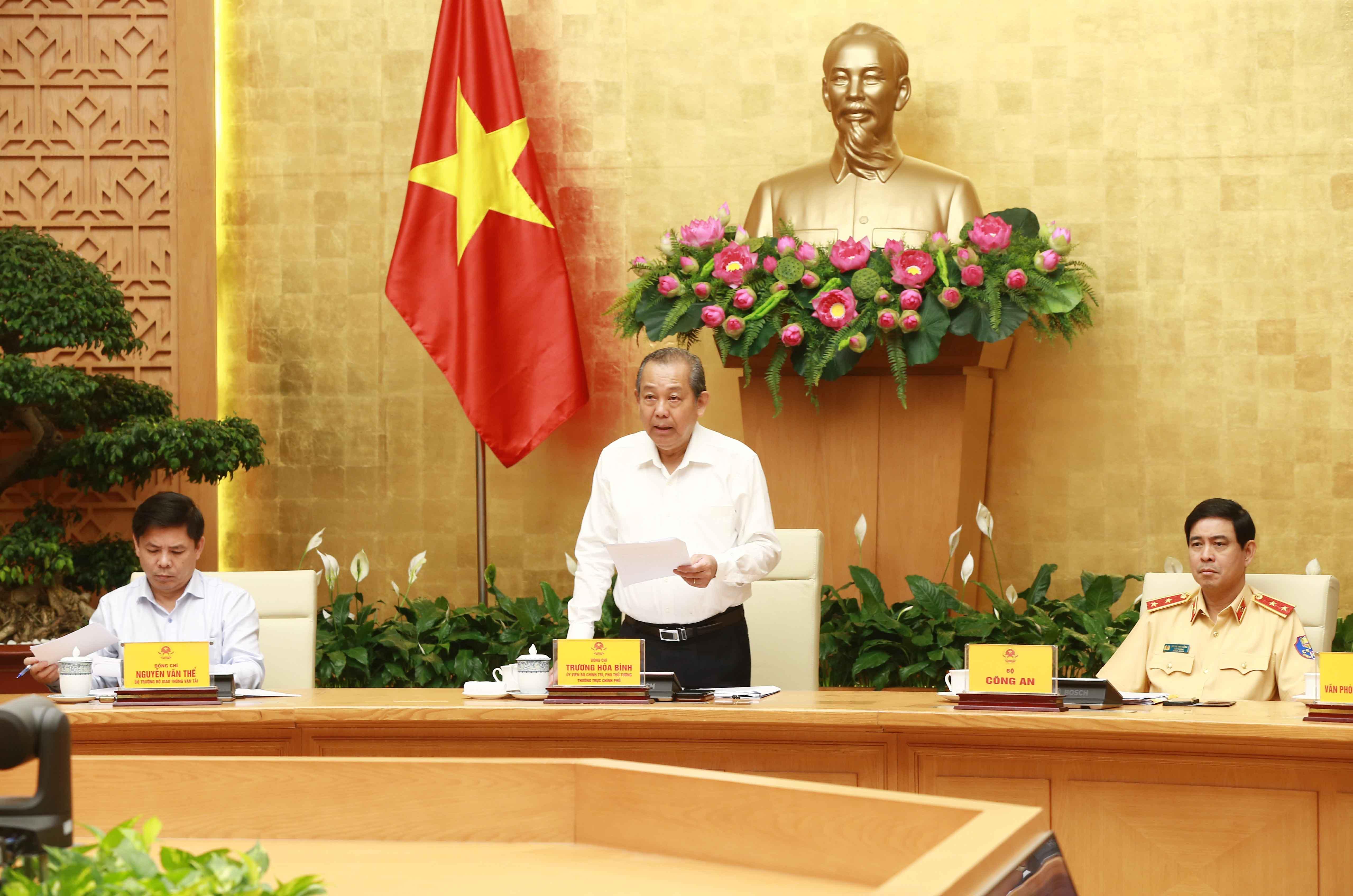 Phó Thủ tướng Thường trực: Sửa luật theo hướng tăng hình phạt đối với vi phạm ATGT