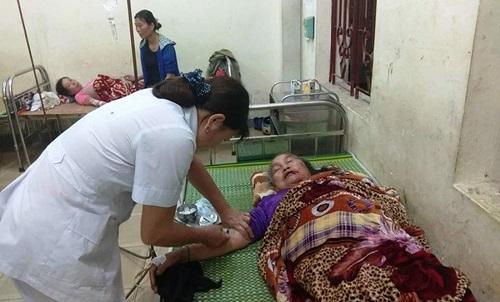 Nghệ An: 4 người bị sét đánh khi đang ngồi trong nhà