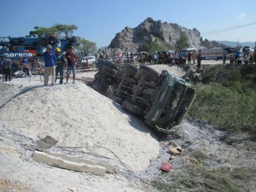 Dự kiến đến ngày 31/5 sẽ di dời xong các toa tàu trong vụ tai nạn giao thông đường sắt ở Thanh Hóa