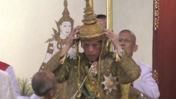 nha vua thai lan chinh thuc len ngoi