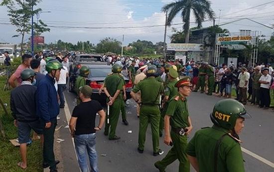 Bắt khẩn cấp đối tượng gọi nhóm giang hồ vây xe công an ở Đồng Nai