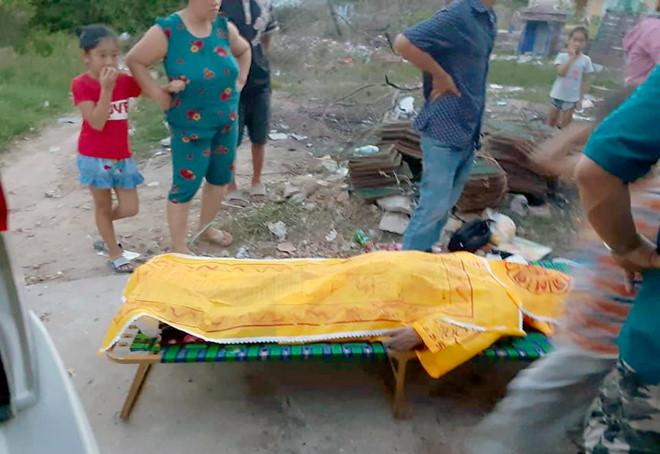 Ghe chở 20 du khách ở Khánh Hòa bị lật, 3 người thiệt mạng