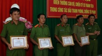 hau giang thuong nong cac ca nhan va tap the triet pha duong day ca do bong da tien ty