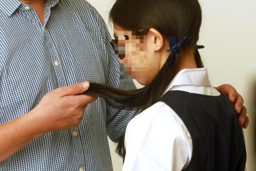Hy hữu: Thầy giáo vật lý ở Singapore bị phạt 16 tháng tù vì khiến nữ sinh 15 tuổi 'yêu say đắm'