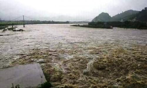 Nghệ An: Mưa dữ dội, thủy điện Khe Bố xả lũ