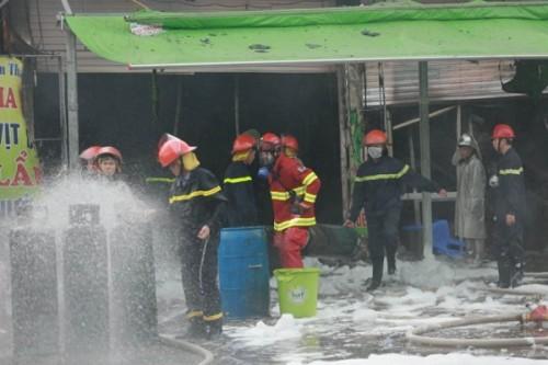 Cháy lớn tại nhà hàng ở Hà Nội khiến một người tử vong