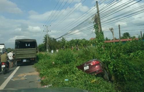 Tiền Giang: Ô tô tông xe máy, 2 người tử vong tại chỗ